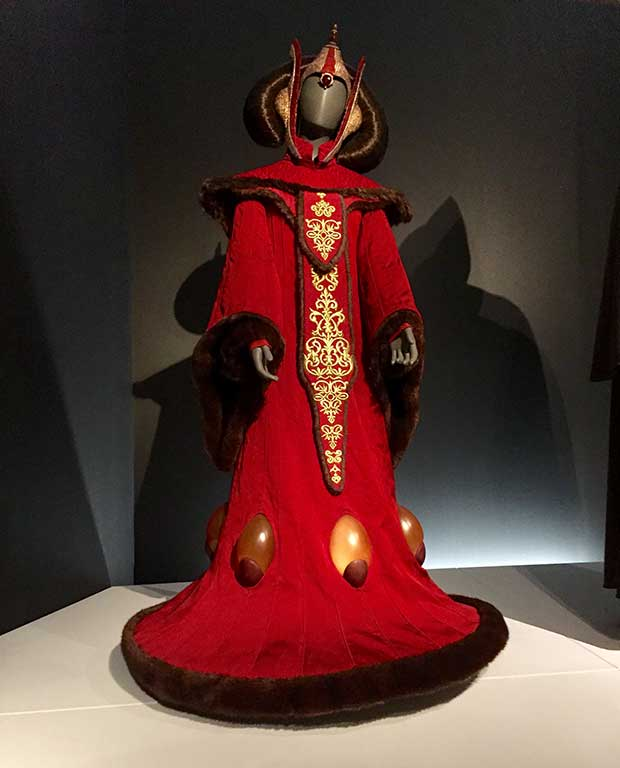 Padmé Amidala's throne room robes